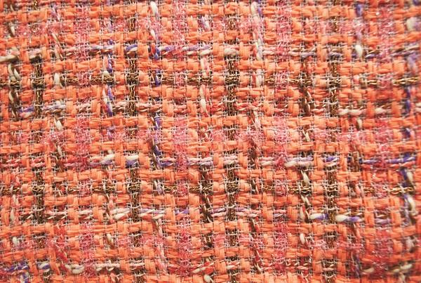 糸や色の組み合わせにセンスが光る(日本ホームスパン)