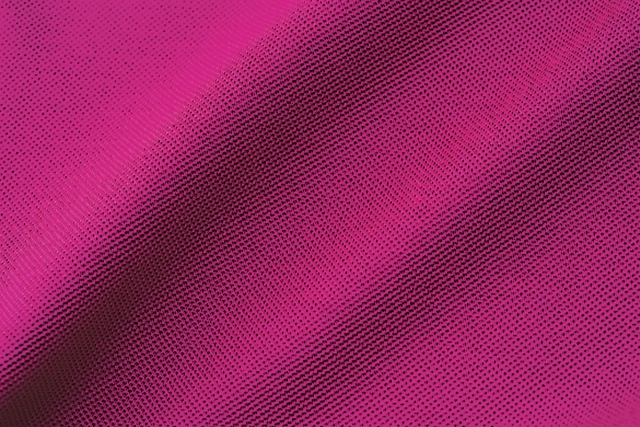 Mitsuboshi Keito: A kanoko weave using extra-long cotton. The material has been mercerised for a silky effect, adding a modish look to an otherwise casual fabric (cotton 100%)