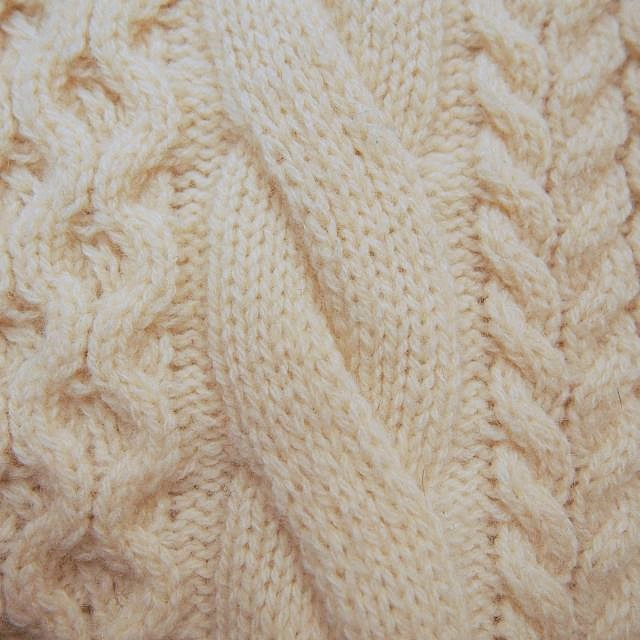 ケーブル編み