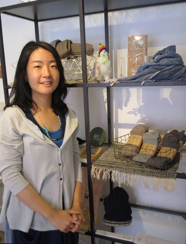 ペルーで編物を教える日本人女性をきっかけに現地で作るアルパカニットを日本で伝える仕事を始めたという吉田さん