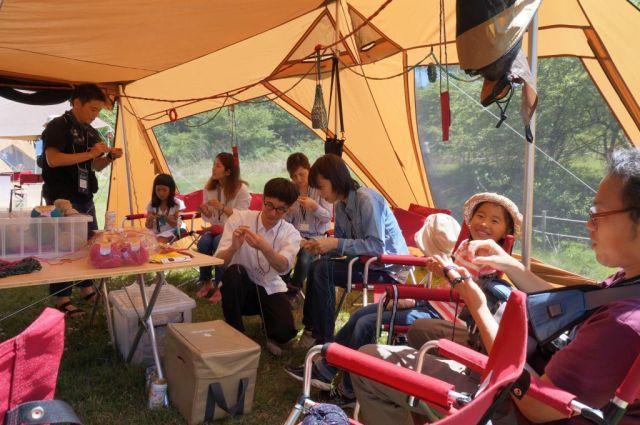 4 「親子で参加できる企画を増やして」との要望を受け、今年から編み物講習やパン作り講習、アウトドア朗読会など子どもも楽しめるイベントが増えた