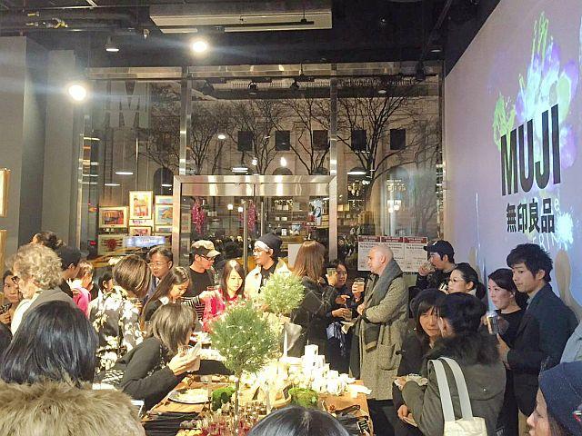 4回目の今回、会場となったMUJI5番街店には200人以上が参加した