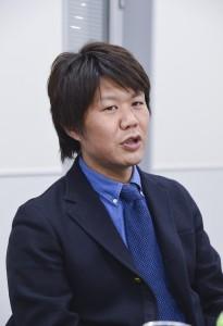 ■カイハラ営業部部長代行   稲垣博章氏  日本のデニムのトップメーカー、カイハラ。これまで国内で生産していたが、タイに現地法人を設立、16年1月からの稼働を目指す。