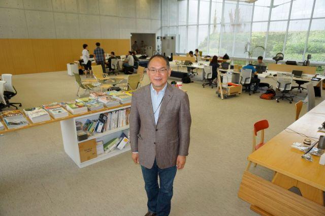やまい・とおる 1959年新潟県三条市生まれ。明治大学卒業後、外資系商社勤務を経て、父が創業した会社(後のスノーピーク)に86年に入社。96年社長に就任。熱心なアウトドア愛好者であり、キャンプは年間60泊ほどしている。