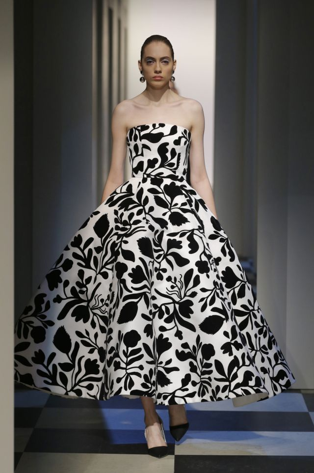 Oscar De La Renta Fall Winter 2017 New York Fashion Week Copyright Catwalking.com 'One Time Only' Publication Editorial Use Only